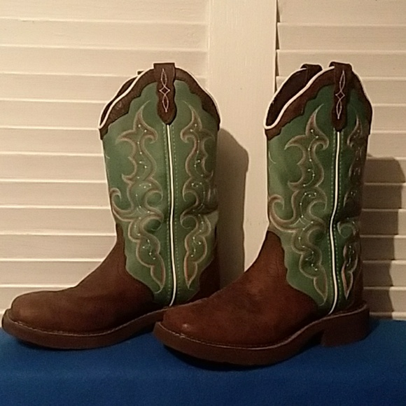 feb7bfd2acc Justin Gypsy Collection Cowboy Boots